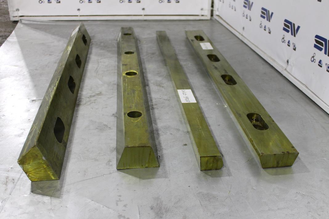 Клинья для дробилки С125