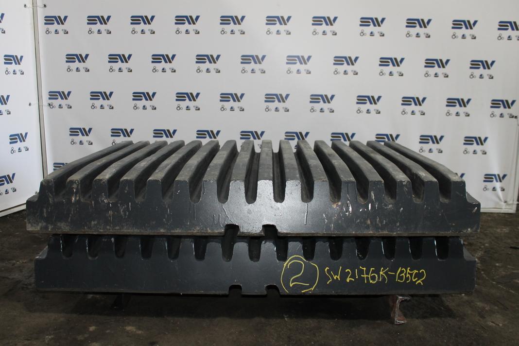 Комплект подвижных плит для дробилки HCС2176